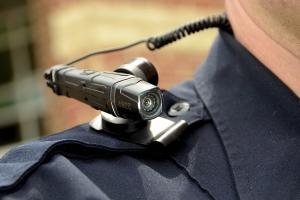 Kamera Badan Polis Undian
